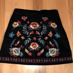 Black corduroy embroidered skirt